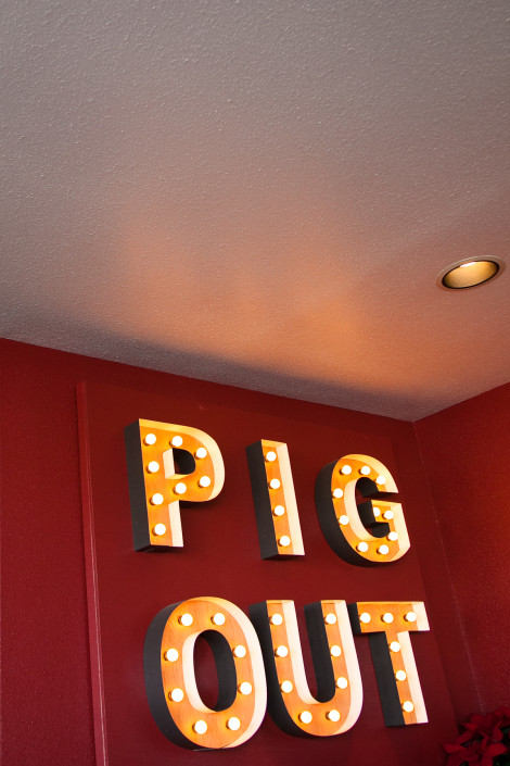 Pig Out sign at Lardo