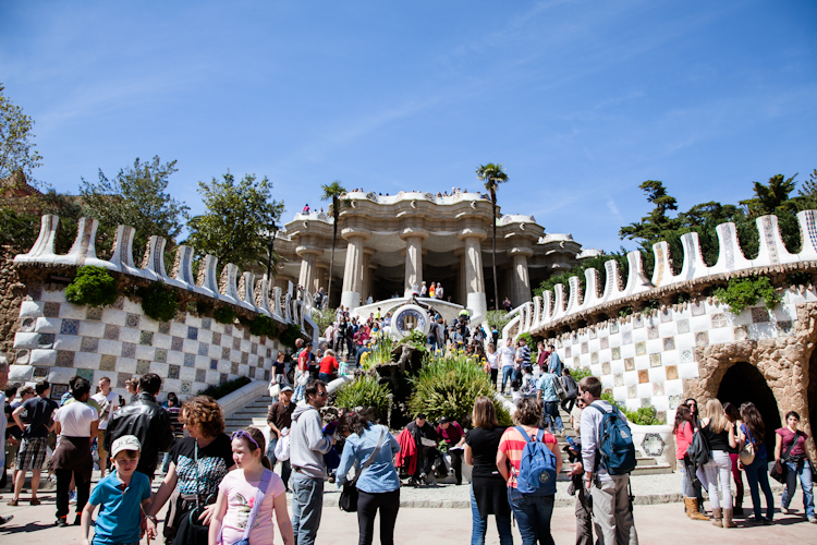 Busy day at Park Güell in Barcelona