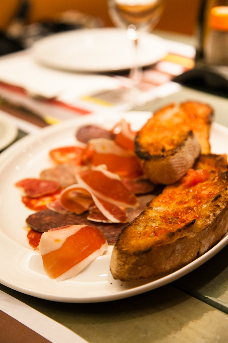 Jamon and bread platter