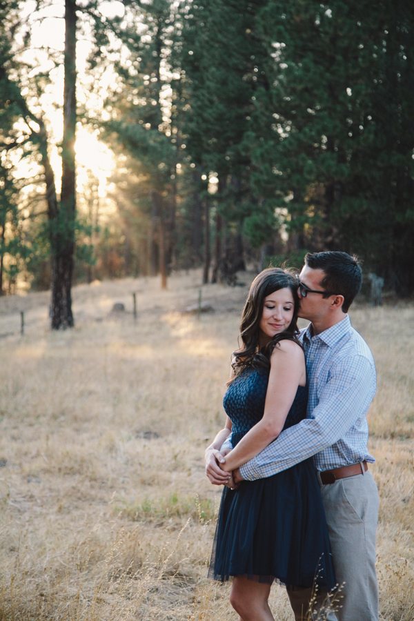 Natural spotlight • California prewedding photos