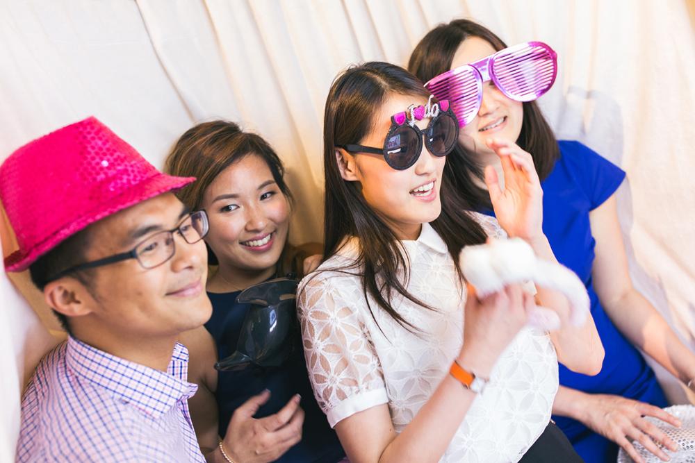 Fun wedding photobooth moments | Hong Kong wedding photographer