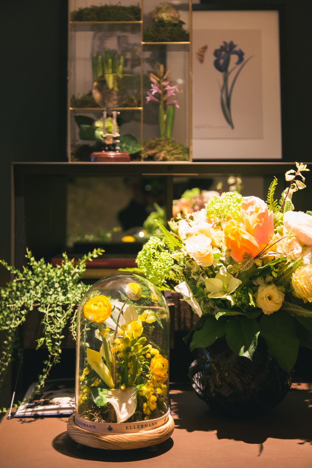 Floral arrangement in a bell jar | Ellermann Flowers Hong Kong | Tracy Wong Photography