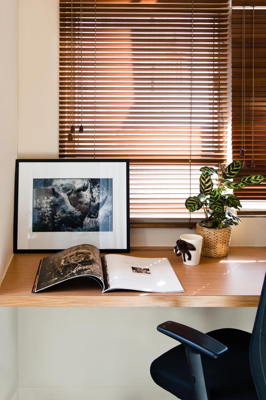 Wooden textures at the office desk | Interiors Photographer Hong Kong