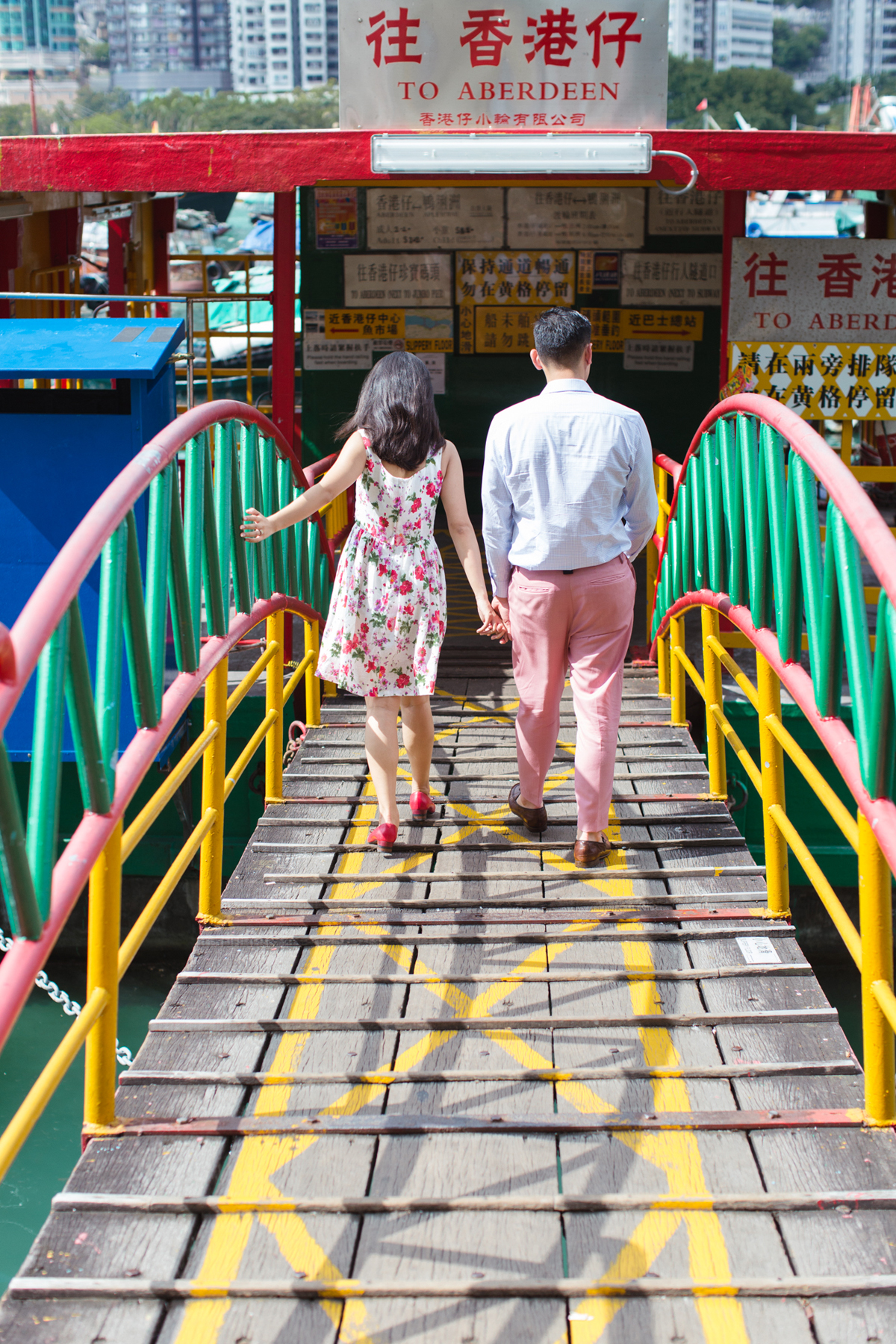 Colorful HK Engagement | Aberdeen Harbour | Tracy Wong Photography