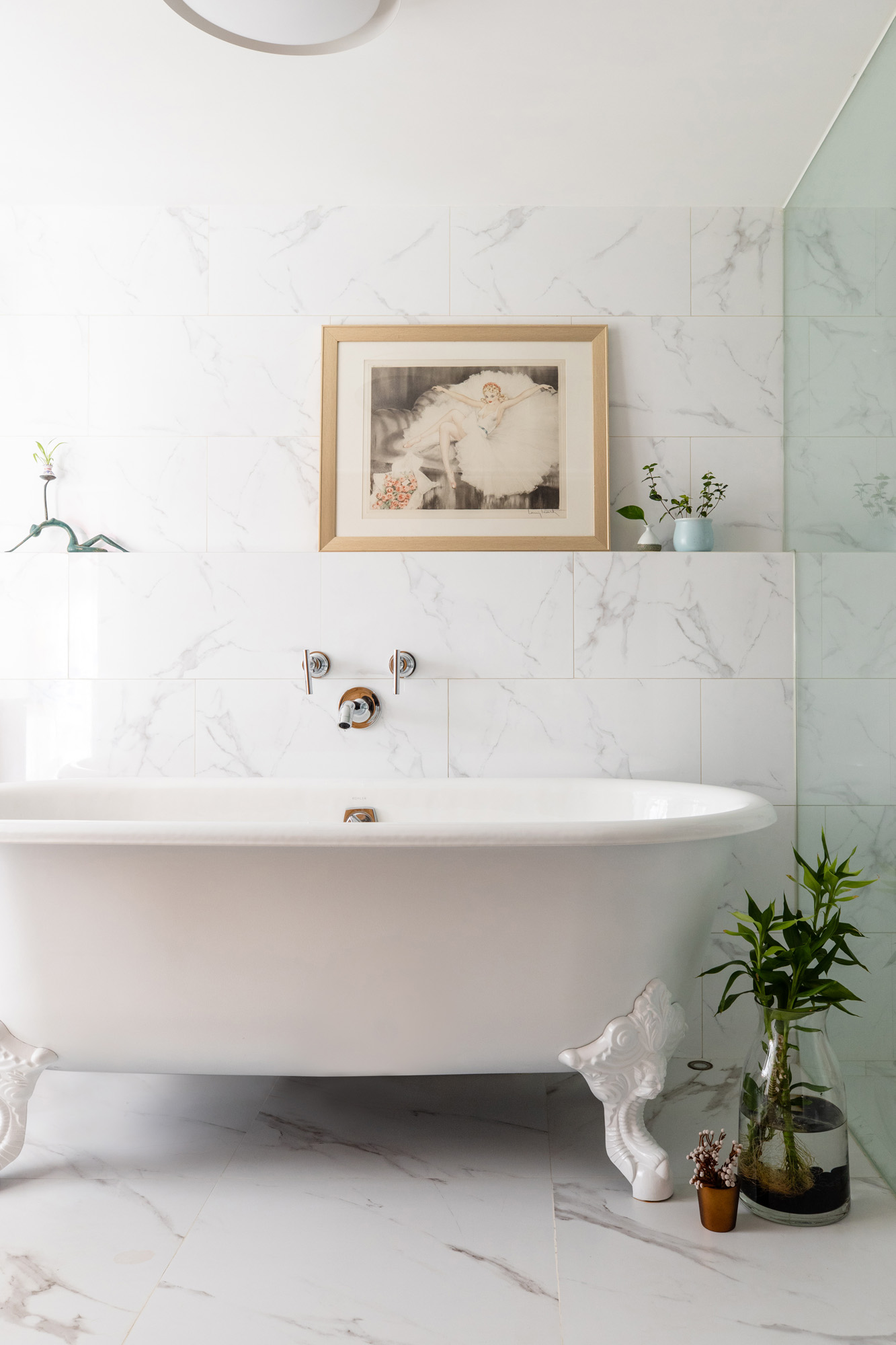 Clawfoot tub bathroom details • Home Interior Design Photos • Tracy Wong Photography
